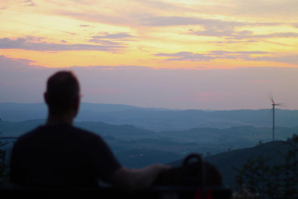 Sonnenuntergang von der Kuhhelle mit Blick auf Meggen und ich selbst davor ;-)