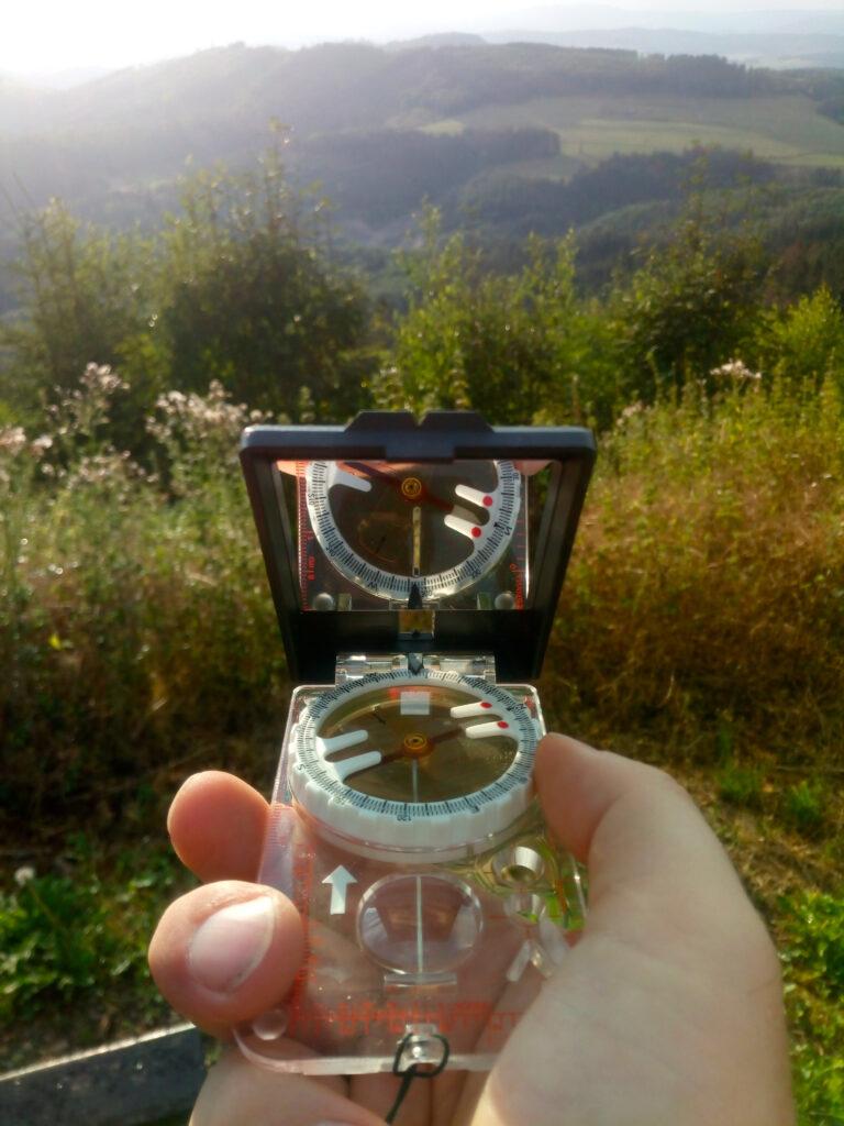 Peilung mit dem Kompass