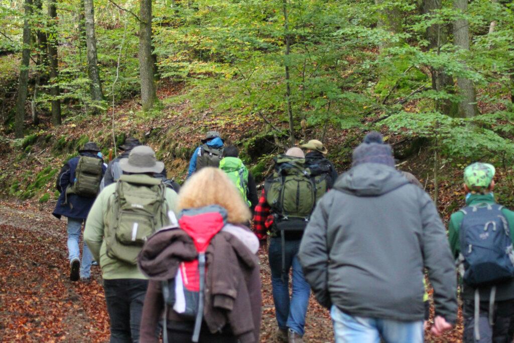 Bergauf mit mehreren Teilnehmern und Ben Tüxen