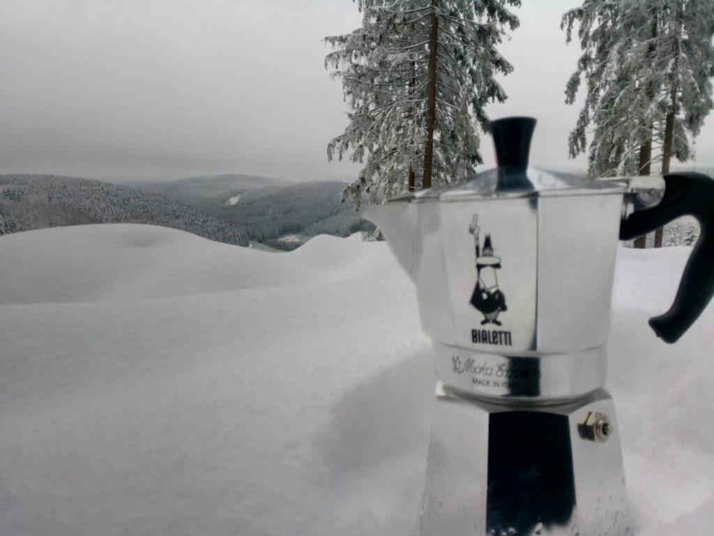 Zubereitung von Kaffee mit der Bialetti im Winter
