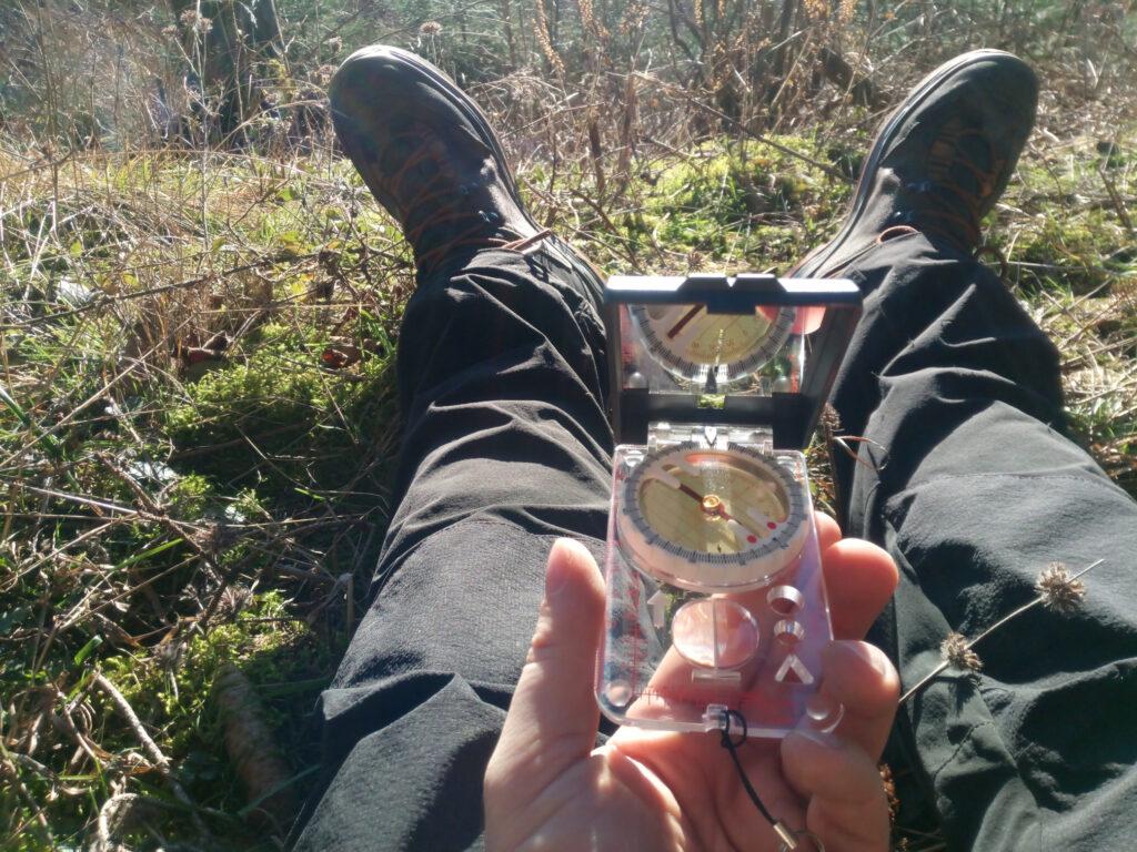 In der Pause mit dem Kompass (K+R Alpin) gespielt.