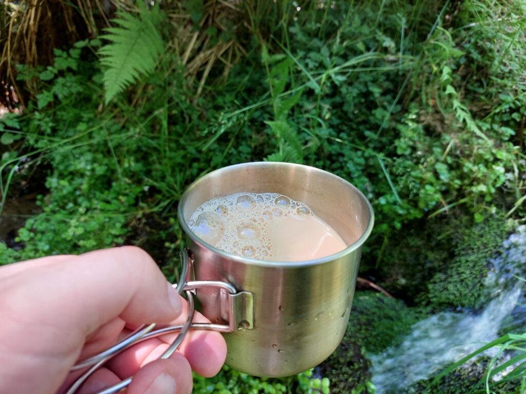 Eiskalter Eiskaffee bei heißen Temperaturen und Waldbrandgefahr. Perfekt!