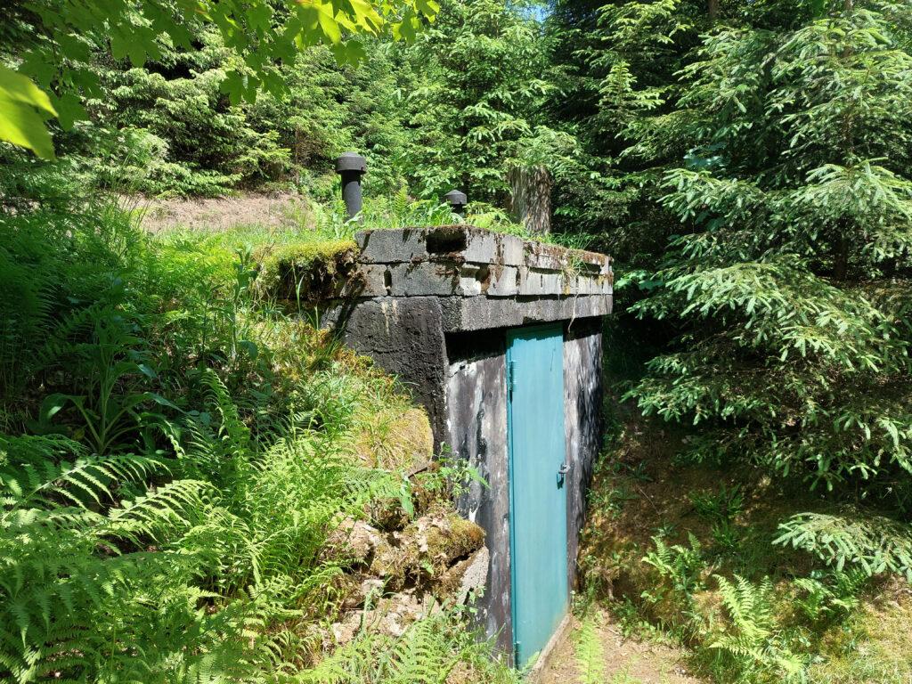 Häuschen mit Quelle zur Trinkwassergewinnung