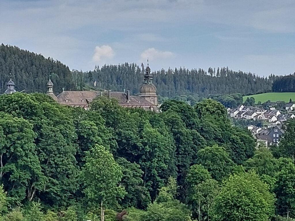 Blick auf Schloss Berleburg. Sitz der Wittgenstein-Berleburg'schen Rentkammer.