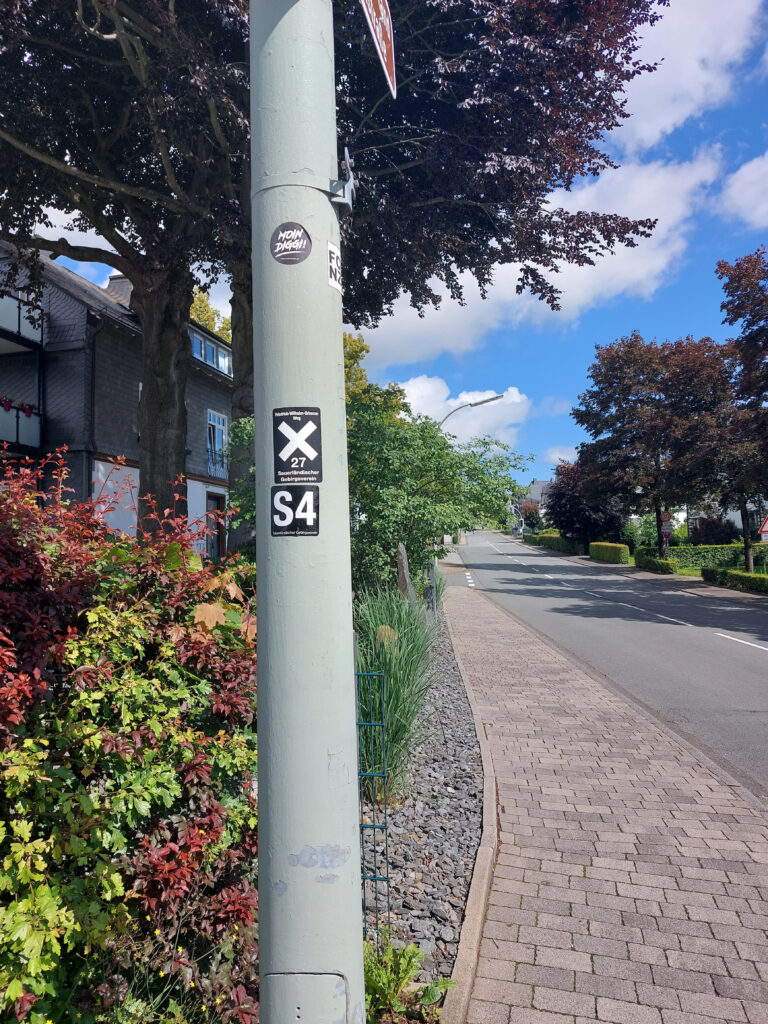 Schild X27 in Schmallenberg