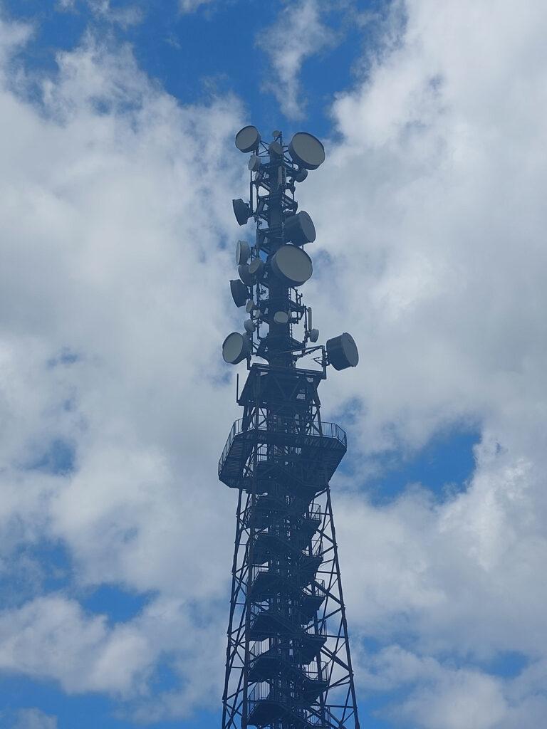 Schombergturm in der Nähe von Wildewiese